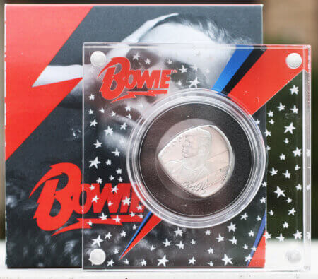 2020 UK David Bowie 999 12 oz Limited Edition Coin Guitar Pick