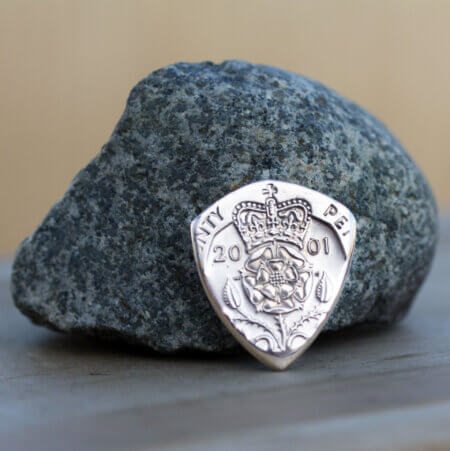 2001 UK 20 Pence Coin Guitar Pick