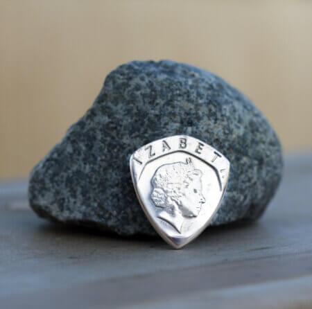 2001 UK 20 Pence Coin Guitar Pick