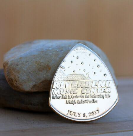 Jimmy Buffett Riverbend Music Center 7-8-17 Coin Guitar Pick